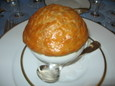 コンソメスープのパイ包み焼き