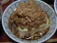 豆腐の納豆となめたけのせ