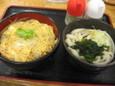 ミニあさり柳川丼ミニうどんセット(530円)