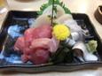 刺身三点盛合(600円)