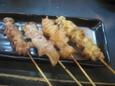 せせり、豚トロ、ぼんぢり、ひざナンコツ(90円)